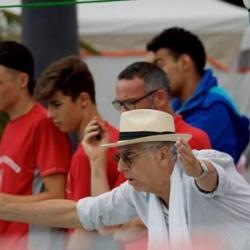 Les supporters et le  coach: Bastien